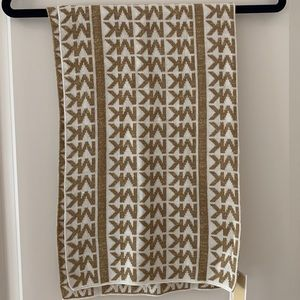 NWT Michael Kors Shimmer Scarf (tan and white)